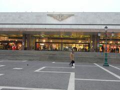 ベネチア・サンタルチア駅。  8:20の電車で、ヴェローナまでは約1時間の旅です。