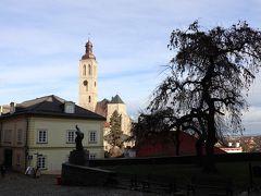 聖ヤコブ教会の塔が見えます。