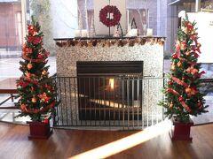 ホテルハーヴェスト旧軽井沢のロビーはクリスマスムード