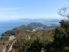 山頂公園から眼下にレインボーライン、その奥に久々子湖、日向湖が見えました。彼方に見える入り込んだ海岸線は日本海です。この光景も正に絶景です。