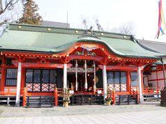 中町通りから少し歩き、深志神社へ。 松本の天神さんとして知られる神社。朱塗りの社殿が鮮やか。