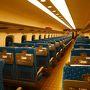 さて12月28日から冬休みの働きマン。この日は朝6:00東京駅発ののぞみ自由席に乗るために、朝早く東京駅へ。 結果ですが、5:50頃に東京駅に到着しましたが、のぞみの自由席満席(笑) と、いうことで次発の6:06ののぞみ自由席で京都へGo!