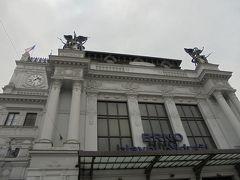 13:15、早速観光に繰り出しました。まずはホテルの前のブルノ中央駅。美しい建物です。
