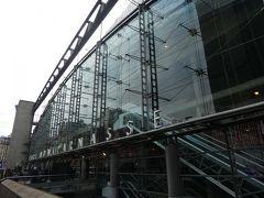今日は、まずはお土産の調達です。 向かったのはモンパルナス駅。 3ヶ月前に1日だけパリに泊まった時は、ここのすぐそばのホテルに宿泊しました。 空港からのバスも停まるし、商業施設も多いし、この一帯は便利ですよね。