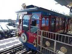 ディズニーシー・エレクトリックレールウェイが運休中でポートディスカバリーのステーションには、車両が停車しており、写真が撮れます。