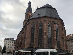 街まで下ってきました。  聖霊教会です。中世の教会。教会思えないドーム型の建物。  1544年完成のブファルツ選帝侯領内最大のゴシック様式教会。