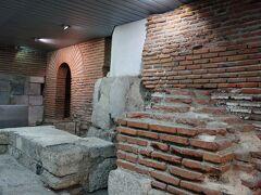 地下道の一角にあるのがセルディカの遺跡