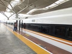 15時頃に長沙南駅のホームに降りると、CR400BFが入線していた。