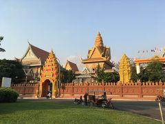 ワットウナロム寺院
