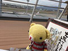 『そういえば、たこ焼き食べてない!』と気づき、急遽空港内のたこ焼き屋さんで購入し、展望テラスで飛行機を見ながら食べました。