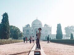 ここはタージマハルのモデルになったところ。イスラム系の王様のお墓で、お妃によって建てられたんだって。