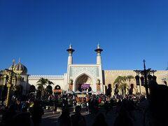 マジックランプシアターの建物です。 アラビアンコーストのランドマーク的存在。