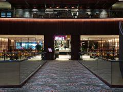 「Melt Cafe」。ビュッフェやアラカルトレストラン。