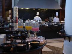 「サウジャナホテル」で朝食