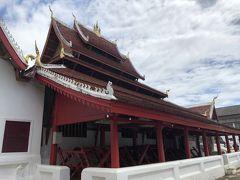 【寺院巡り】ワット・マイ (Wat Mai) 国立博物館(王宮)の隣にあるお寺  ルアンプラバンの中でも最も美しい寺院の一つと言われているみたいです