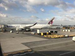 JFK着陸、ANAはターミナル7へ 同じターミナル7を使用しているカタール航空を横にみながら