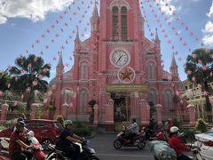 3区にあるピンクの教会。綺麗ですね~。