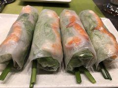 ベトナム料理の定番生春巻き。