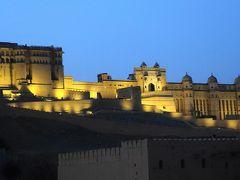 ライトアップされたアンベール城