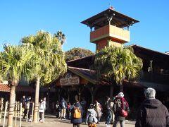 ジャングルクルーズに移動。日本のジャングルクルーズが一番楽しいと思っています(カリフォルニアと上海は行ったことがないけれど)。