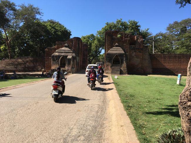 こちら、タラバ―門。<br />オールドバガンエリアはこの門の先にある。<br />私はこの中の観光を終えてから撮影した。<br />9世紀に防備を固めようと築いた城壁の名残。