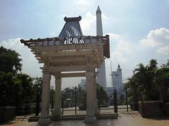 英雄記念塔