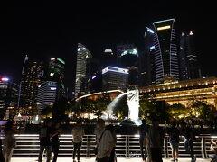 時間は22:45くらい、そろそろ空港に向かう時間 シンガポール最後の思い出にマーライオンの夜景を見物