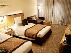 【浅草ビューホテルに初めて宿泊】  ....まして、このホテルは、雷門より更に離れているので......雨の日や荷物が多い日なんぞは億劫で仕方ない、宿泊の選択肢にもあがらんな....のぉ~っと思っておりましたが....