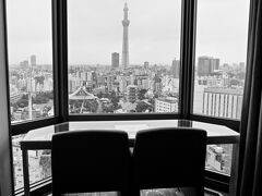 【浅草ビューホテルに初めて宿泊】  ま......真正面に、東京スカイツリー...........