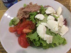 ガイドブックにも載っている有名なダロッコでお昼ご飯。野菜が体にしみる...