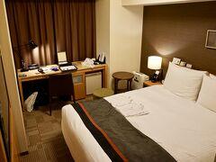 【リッチモンド浅草】  少し部屋は、全体的に重厚な色合いで、ゴージャスな感じが漂います。