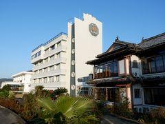 旅館の新館のすぐ隣は蘇峰館。水俣が生んだ文豪・徳富蘆花と徳富蘇峰がこよなく愛した部屋とのこと。現在でも利用可能です。