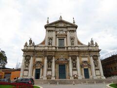 Parrocchia S Maria In Porto 大きな教会だけど、主要ルートから外れているので、観光客はほぼいない