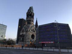 空爆で一部損傷しているカイザーヴィルヘルム教会 内部はドイツ語でしか説明がなく、国外の観光客を余り歓迎していない印象を受けた