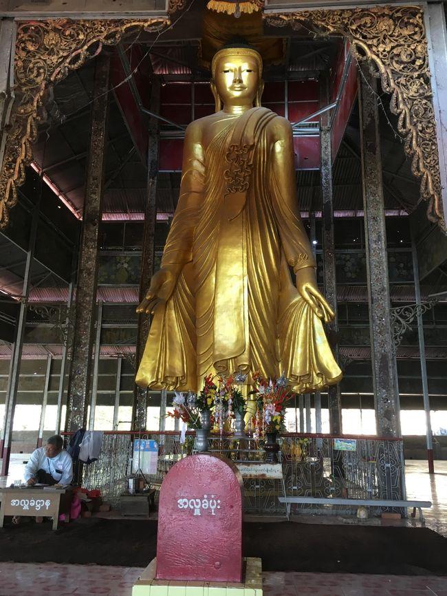 ピーロンチャンターパヤー<br /><br />マンダレーが栄えるようにと願いを込めて造られた仏像。
