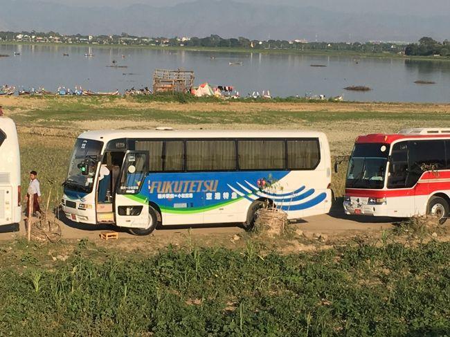 日本のバス。福鉄バス(福井県)やんけ。<br />やっぱり日本のバスって日本人を乗せて走るのかしら。