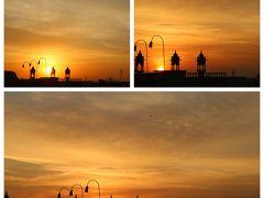 ホテルの屋上で、日の出を眺める。