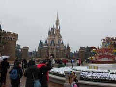 雪が舞う東京ディズニーランド!