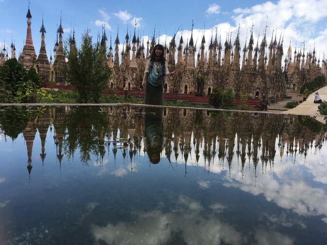 最初に紹介されたのは表紙にもなっている池。<br />ここで1枚。<br />素晴らしい景色。テンションが上がってくる。<br />水鏡って素敵。
