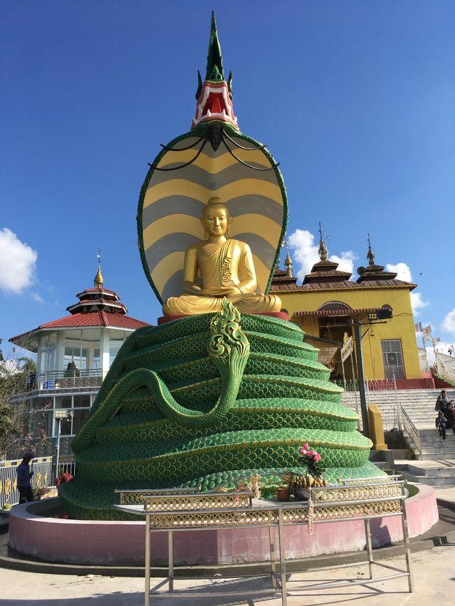 仏陀を雨風から守ったとされる像。<br />これ、ミングォンでも見たけど、まだ見慣れない。<br />違和感あるわぁ。