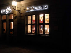 コンサートの後、近くのバッハ博物館へ。真っ暗ですが17時くらいです。