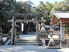 斑鳩へ向う途中に「往馬大社」があり、ちょっと寄り道。 往馬大社は生駒山をご神体とし、自然崇拝の歴史ある神社でした。 境内は広くて多くの摂末社がありました。