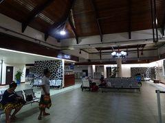 ポンペイ国際空港 (PNI)