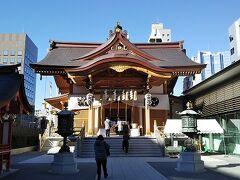 続いて水天宮へ。東京とは縁遠い私でも、水天宮の存在は以前より知っておりました。「麒麟の翼」では重要なポイントにもなりますよね! こちらは安産祈願がとても有名ですが、水難除けでも知られています。 水難から家族を守ってくださいとお願いしてきました。 ちなみにこちらは弁財天様がいらっしゃるそうです。