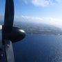 さらば南大東・・・  離島2日目の午後、南大東島を飛び立った飛行機