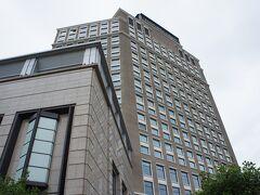 後半のホテル、Hotel Nikko Saigonまでタクシーで58,000ドン≒290円。 少し中心部から離れるので街歩きには不便だけど、年越しは日系ホテルでゆったり過ごしたいなーということでチョイス。