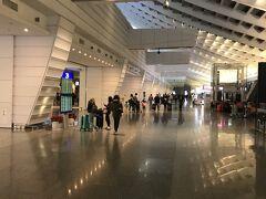 エアポートラインに乗って40分程で、桃園第1ターミナルに到着。