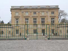 プチ・トリアノン宮殿 マリー・アントワネット王妃の私的な離宮