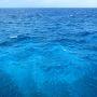 どこまでも蒼い海  ・・・とお気楽に過ごせる島ではない