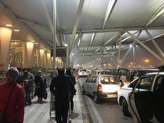 2019年1月3日、00:00頃デリーの空港に着